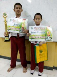 Bhagas Juara 1 (kiri) dan Athallah Juara Harapan 1 (kanan)Try Out di SMP Al Falah Deltasari