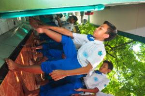 wudhu, mendidik jiwa, menyegarkan pikiran